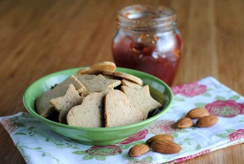 Nutty-gluten-free-crackers