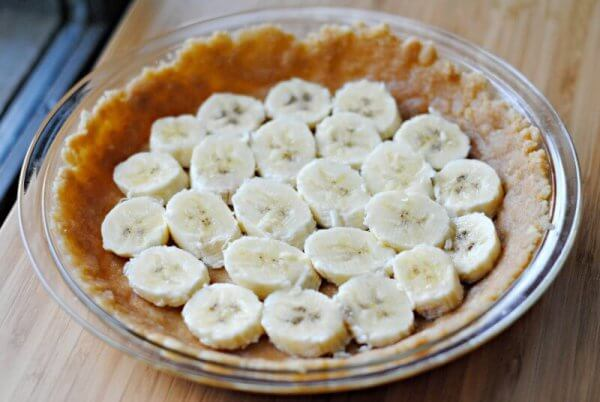 bananas-in-pie-crust