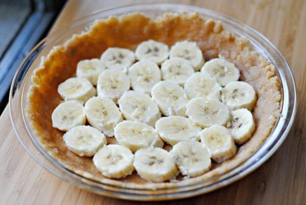 bananas-in-pie-crust