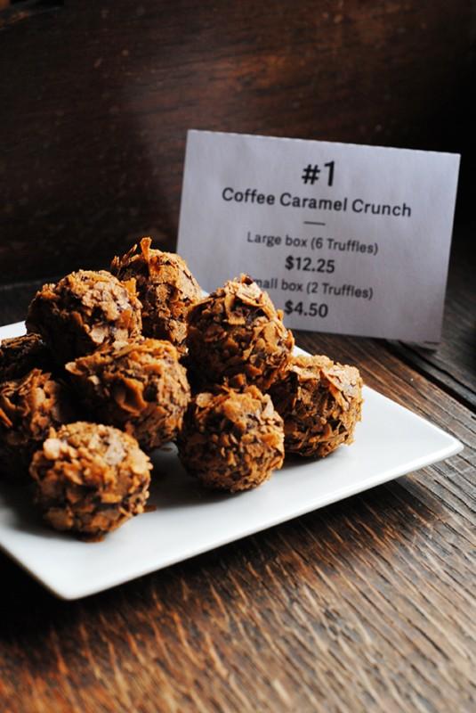 Coffee-caramel-crunch-truffle