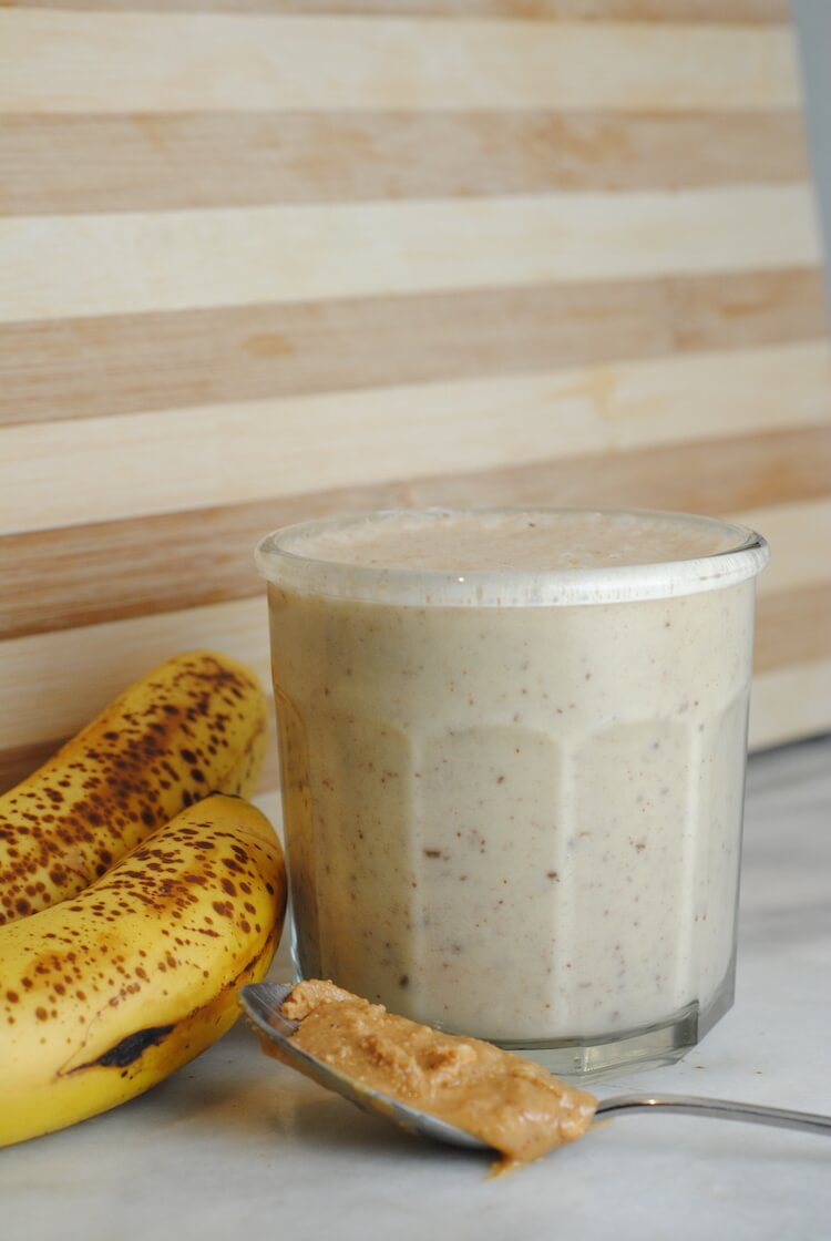 Peanut-butter-chocolate-chip-smoothie