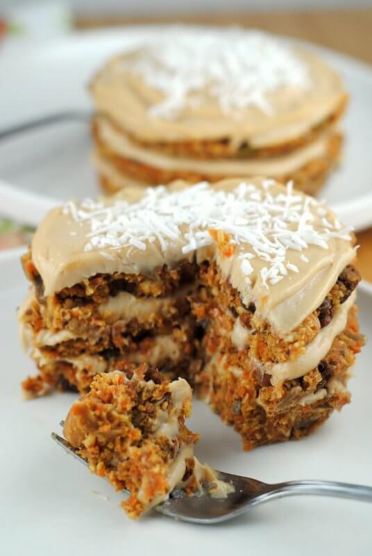 raw carrot cake vegan carrot cake the blenderist 6963