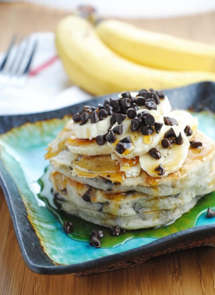 banana-chocolate-chip-vegan-pancakes