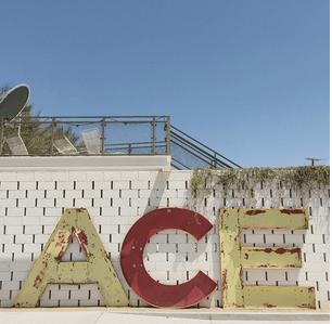 ace-hotel-signage