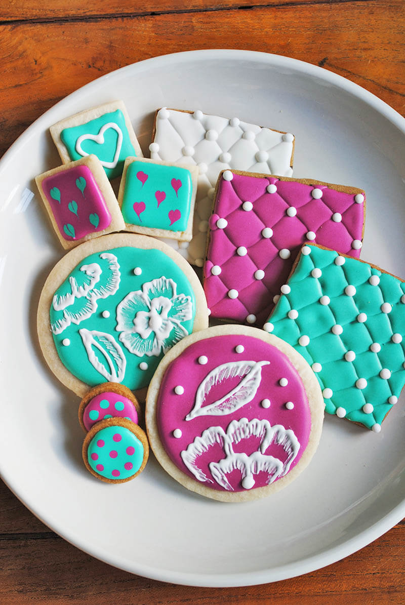 Vegan Royal Icing - Aquafaba Recipe - Blending Food and Design in ...