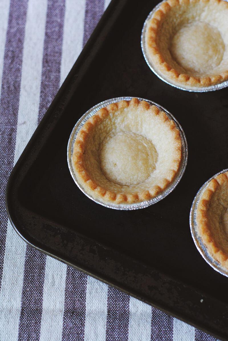 easy-chocolate-tart-empty
